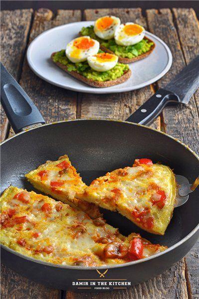 Омлет пицца + тост с авокадо и яйцом: ideasfordinner