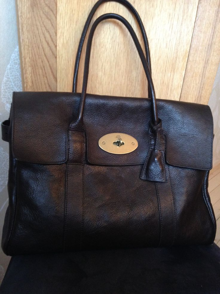 Mulberry Bayswater in chocolate brown Darwin leather.