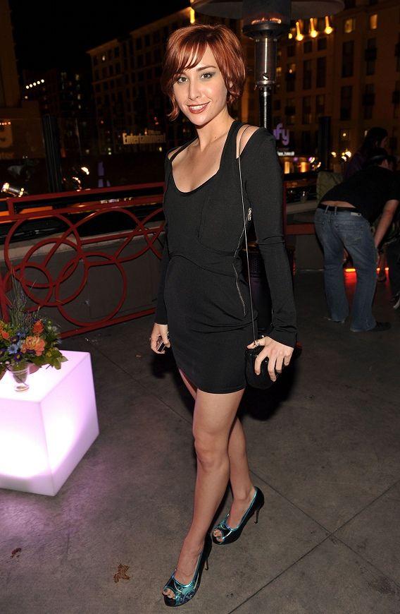 Allison Scagliotti (Claudia Donovan)