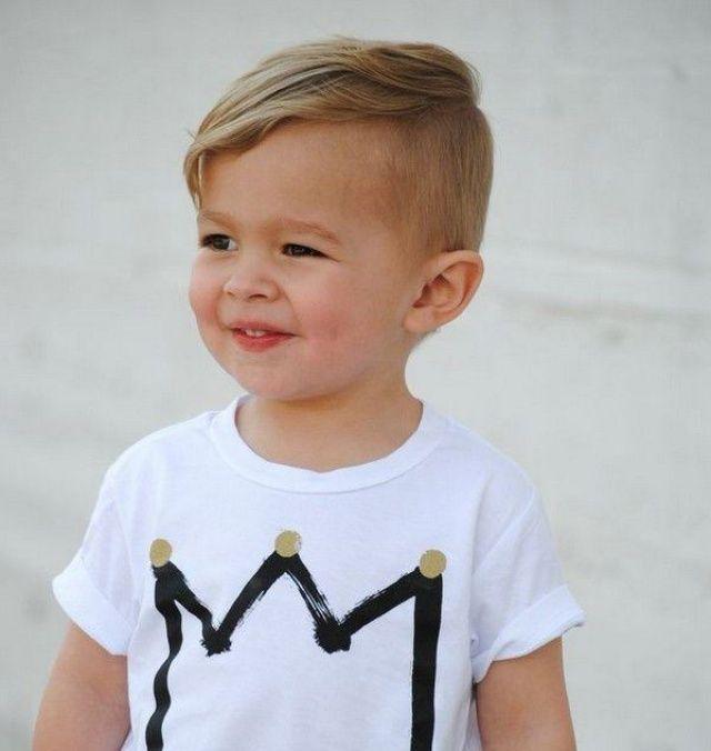 Die Schonsten Haarschnitte Fur Kinder Die Sich Inspirieren Lassen Sachen Zu Den Mammen Frisurenjungs Fr Jungs Frisuren Kinderhaarschnitte Kinder Haar