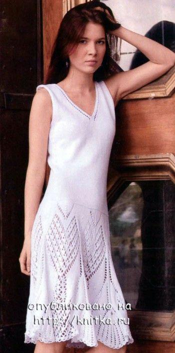 Белое платье, связанное спицами