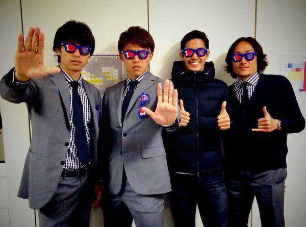 """Yoshinori Muto/武藤 嘉紀さんのツイート: """"ばいばい、沖縄!陸くん完全にマフィア。 http://t.co/kLDx5tpmjf"""""""