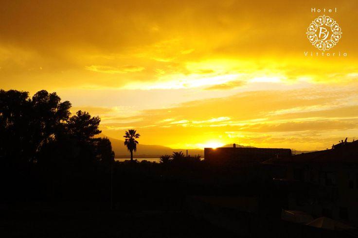 http://www.hotelbjvittoria.it   #tramonti #Cagliari #Sardegna