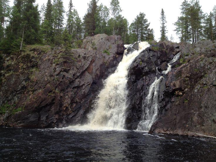 Kiiminkijoen alku ; Hepoköngäs Puolanka. Suomen korkein vesiputous :)