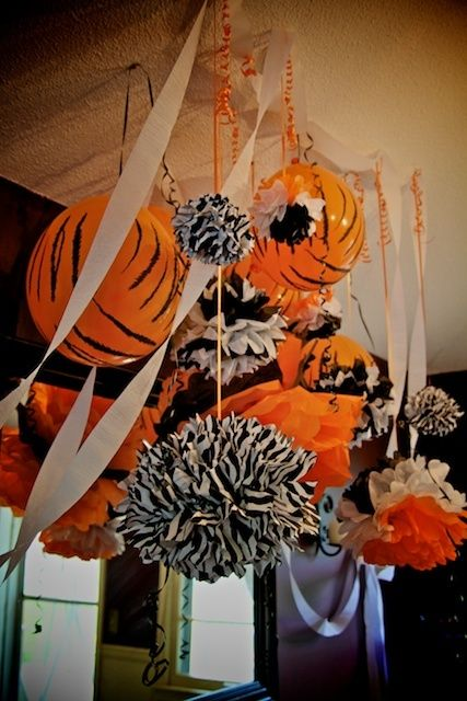 Tiger centerpieces decorations tiger baby shower for Dekoration fur babyparty