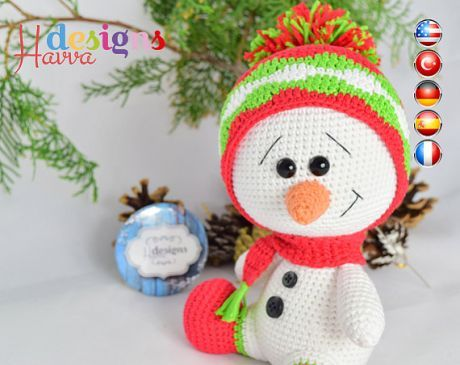 PATTERN - Cute Snowman Christmas Decoration ❀❤ Welcome to Havva Designs Patterns Store ❤❀ ❥ This listing is for an amigurumi pattern, not the finished toy. ❥ Crochet patterns in pdf format, and emailed to you within 24 hours of your payment! ❥ Please add your email address your order when you purchase a product. ❥ The country flags added to corners of pictures to show the patterns in which languages is written. ❥ The finished approximately 18 cm tall. ❥ Pattern is very d...