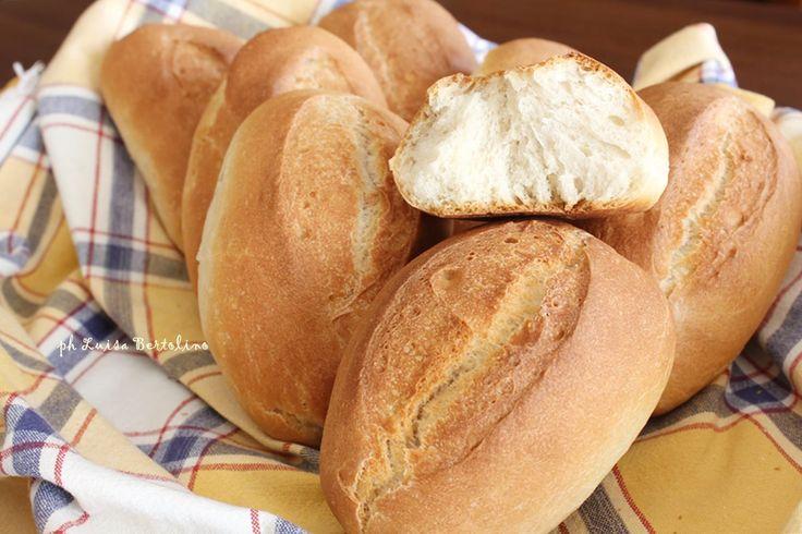 Panini francesi : un profumo delizioso che si spande per tutta la casa...provateli, rimarrete soddisfatti ve lo garantisco!!!