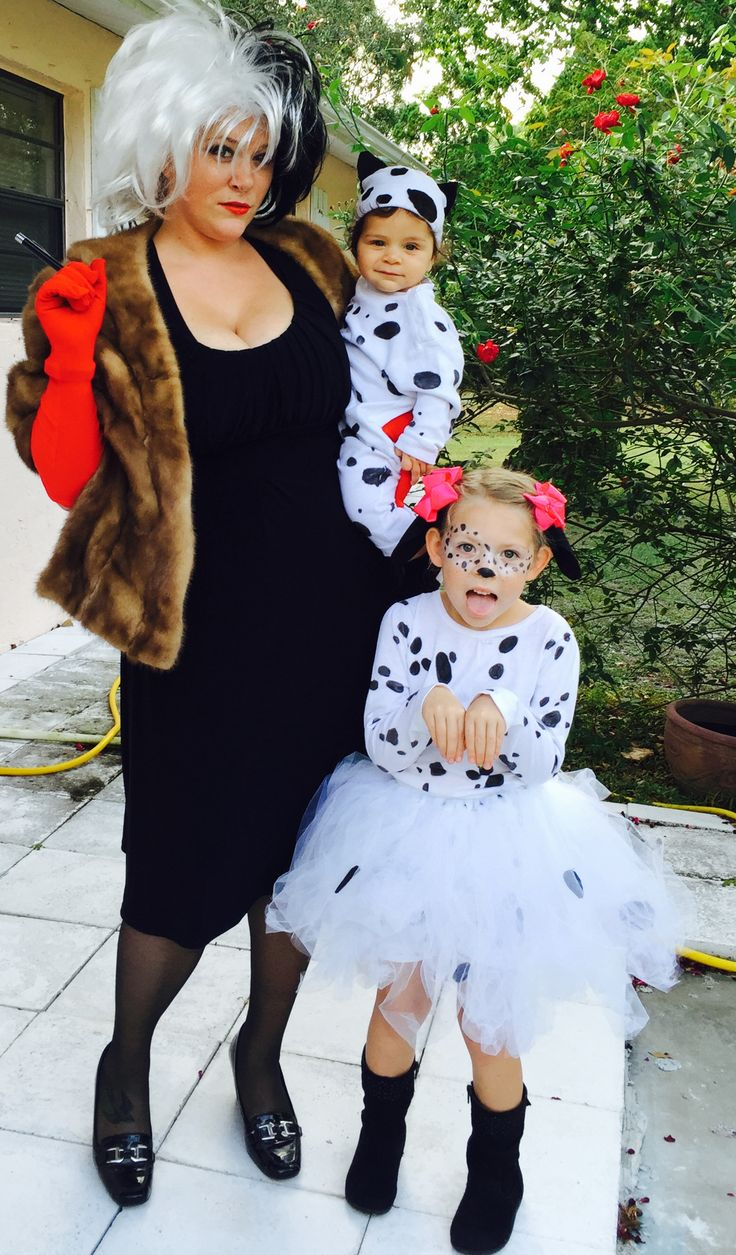 101 dalmatians diy family costumes halloween family halloween costumes diy halloween. Black Bedroom Furniture Sets. Home Design Ideas
