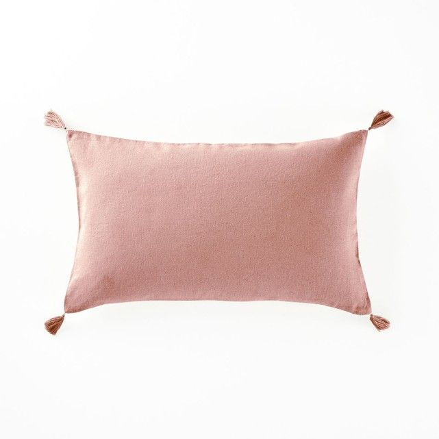 best 25 pink cushions ideas on pinterest pink throw pillows pillows and rose gold bedroom. Black Bedroom Furniture Sets. Home Design Ideas