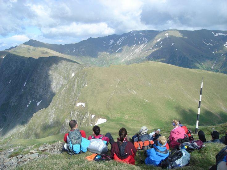 hiking-in-fagaras-mountain-2-guided-walking-holidays_thumbnail4.jpg (1000×750)