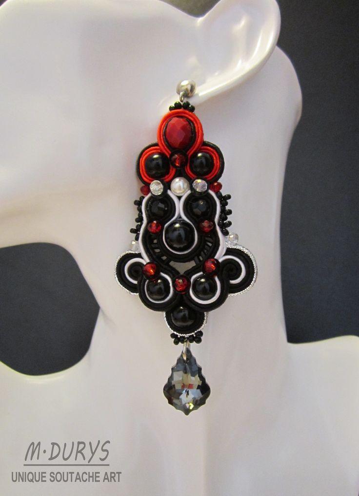 """Modello """"Noir""""- Orecchini con cristallo di Swarovski,perle sintetiche,agata,cristalli austriaci e perline Rocailles. gancio in arg.925"""