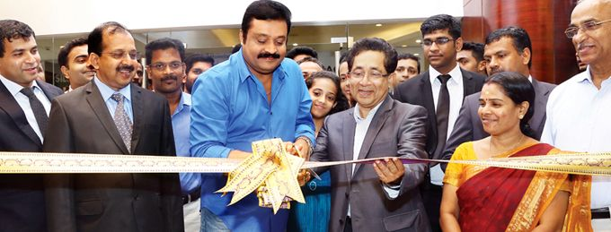 Superstar Suresh Gopi inaugurates Joyalukkas Jewellery at Mall of Joy, Thrissur.