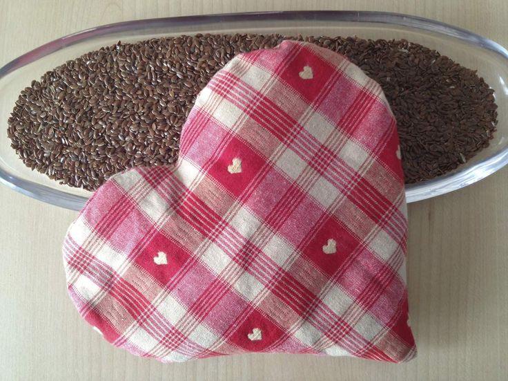 bouillotte sèche aux graines de lin en forme de coeur noir