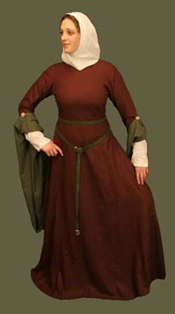 12th Century Pendant Sleeve Gown - like the sleeves pinned back with the button.