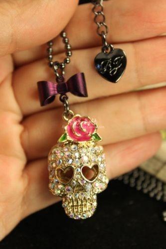 Betsey Johnson Rose Skull Jewelry Pendant/Necklace