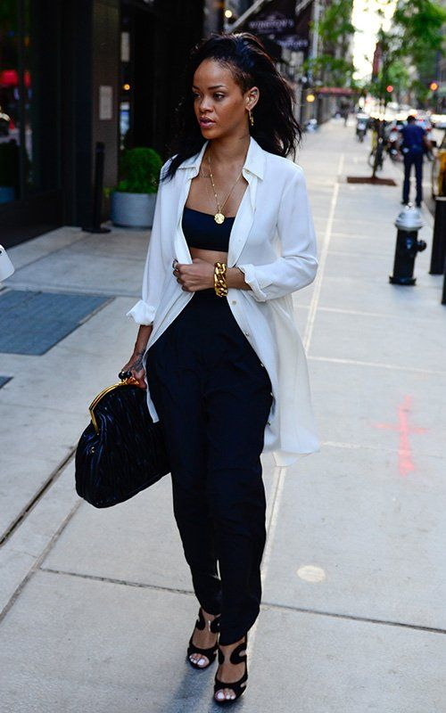 I Ll Take The Clutch Please Love Her Style Pinterest Black Bralette Rihanna And Gold