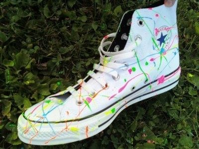 29. Splatter Them With Paint | 30 DIY Ways To Jazz Up Your Converse Sneakers