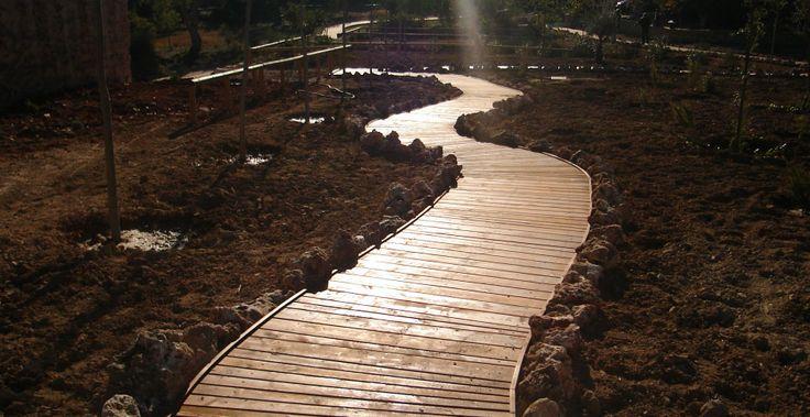 Pasarelas adaptadas a minusválidos - Incofusta fabrica de madera en Valencia