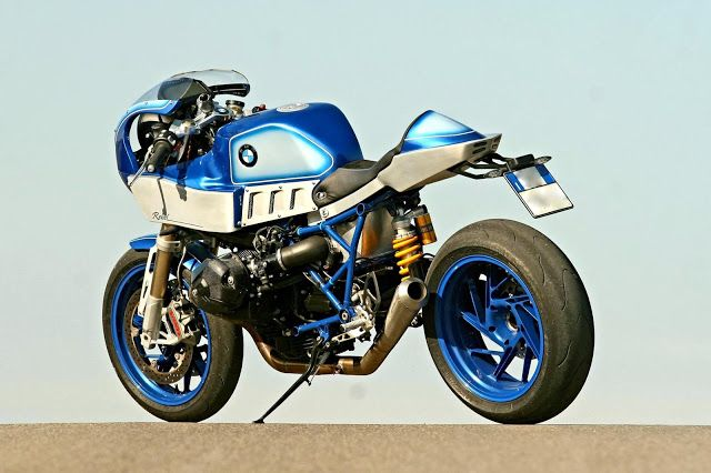 RocketGarage Cafe Racer: BMW Hp2 Rebel