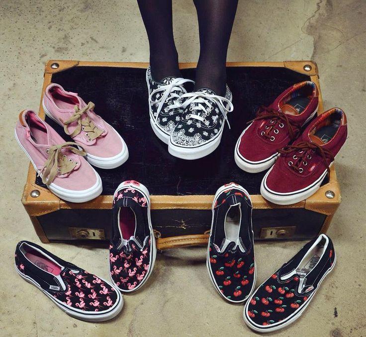 Vans off the wall   sneakers szputnyik shoes flamingo cherry bandana pattern footwear slipon