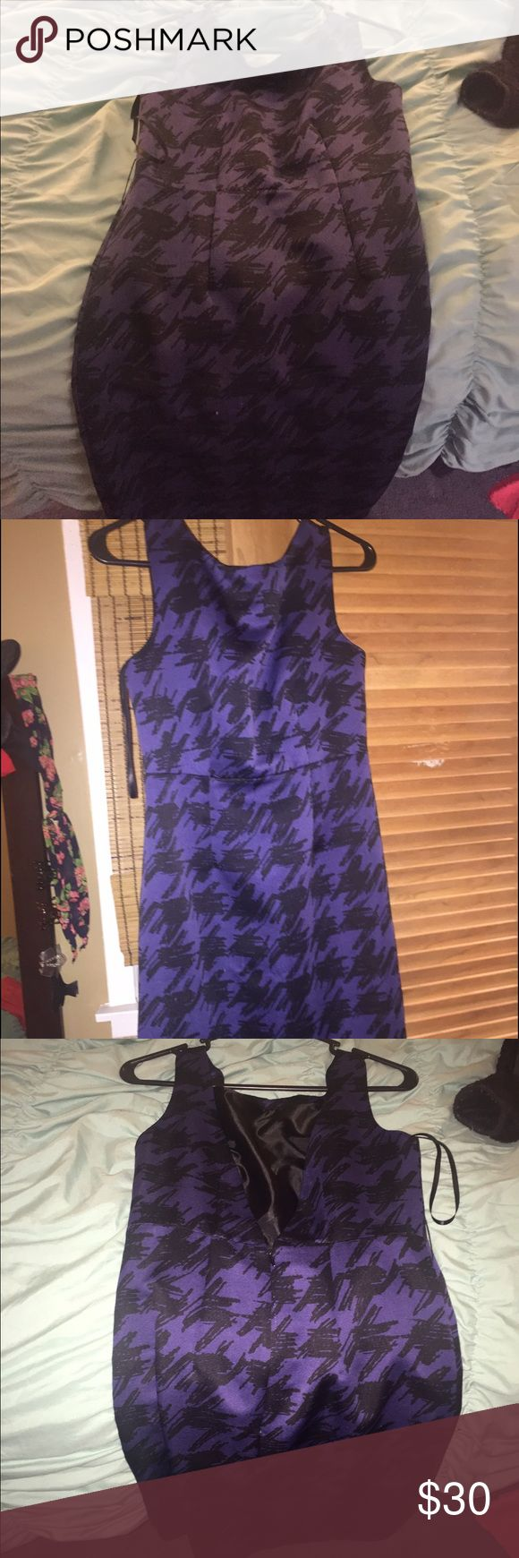Perfect purple dress for semi casual Low v back dress perfect for work. Never worn MAKE AN OFFER, MUST SELL!! Dresses