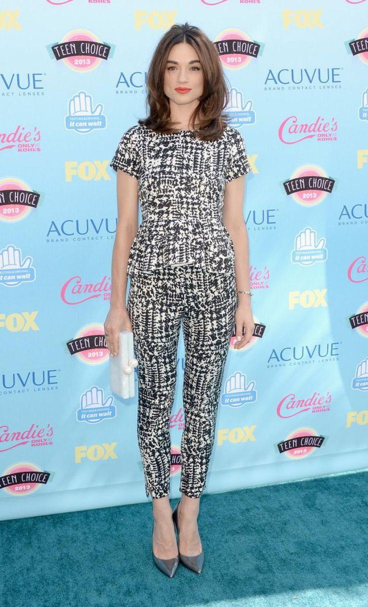 Crystal Reed wearing Carolina Herrera @ 2013 Teen Choice Awards