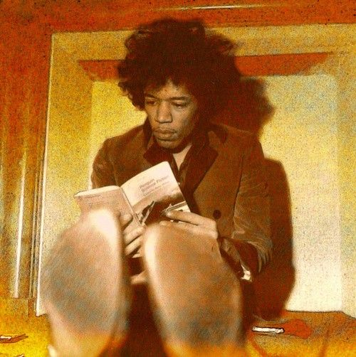 Jimi Hendrix. Engrossing. Two of my favorites in one pic.