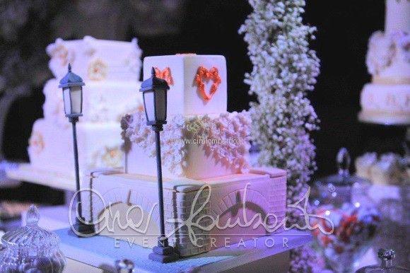 Confettata romantica dal tema parigino per un matrimonio raffinato firmato Cira Lombardo Event Creator