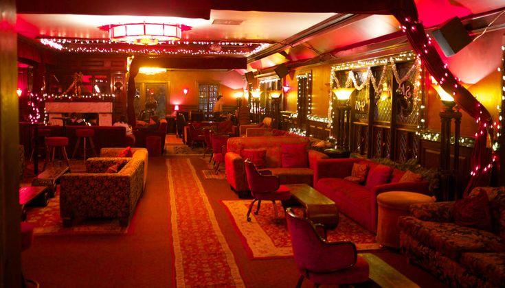 Red Restaurant and Bar in downtown Santa Cruz, California, is a cozy bar in the 1877 Santa Cruz Hotel.