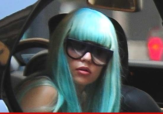 Amanda Bynes -- Signs of Schizophrenia  Parents may finally step in now.