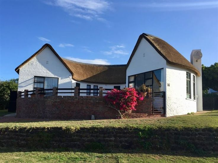 Stilbaai Family Holiday Home - Stilbaai Family Holiday Home is a lovely thatched self-catering holiday home, located in the quiet suburb of Little England, in the holiday town of Stilbaai. The house is located just 50 m from the Goukou ... #weekendgetaways #stilbaai #gardenroute #southafrica