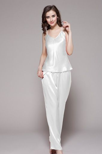 Start the journey of luxurious life with our 100-percent top quality white silk pajamas for women. $96 #pajamas #silk #lilysilk