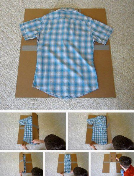 """Crea tu propia """"máquina de doblar camisetas"""" con cartón y cinta adhesiva"""
