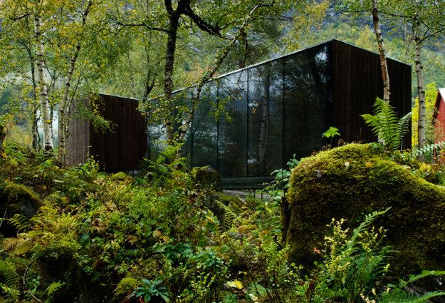 """What if we told you you could actually stay at Nathan's Ex Machina mansion? BECAUSE YOU CAN.   You Can Actually Stay In The Creepy/Beautiful """"Ex Machina"""" House"""