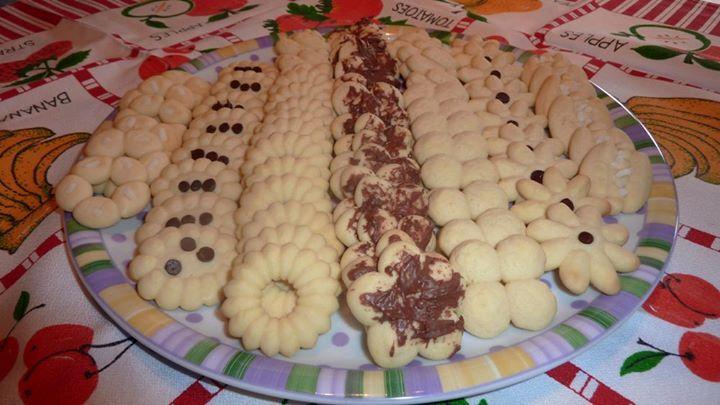 Sparabiscotti impasto per biscottini. Come resistere ai biscottini al burro, da notare come sono semplici da realizzare con l'aiuto della sparabiscotti