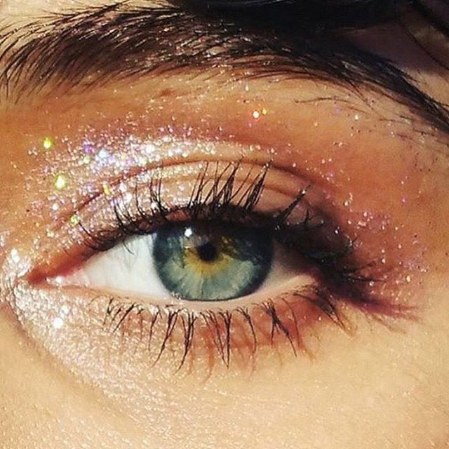 Glitter eyes. @thecoveteur