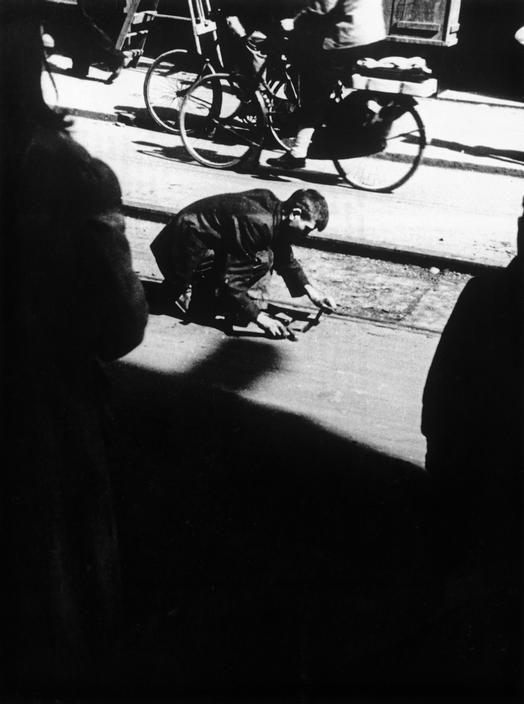 Kryn Taconis HOLLAND. Amsterdam. World War II. Winter 1944-45.