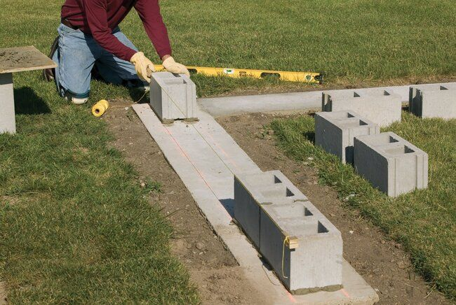 How To Build A Concrete Wall For Your Own Private Backyard Retreat In 2020 Concrete Block Walls Concrete Blocks Cinder Block Walls
