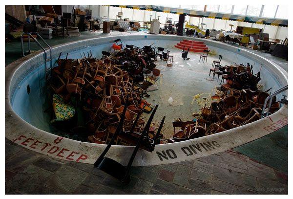 ...Chair Staging...? #abandonedpools