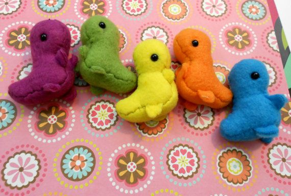 Teenysaur Plush CHOOSE YOUR COLOR by radtastical on Etsy