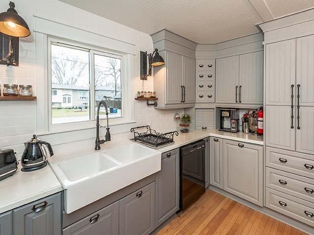 #kitchen #kitchendesign #kitchenideas #kitchencabinets #industrialdecor #industrialkitchen #farmhousekitchen #farmhousesink #ikeasink #subwaytile #industriallights #yorkregion #symphonyofcolour