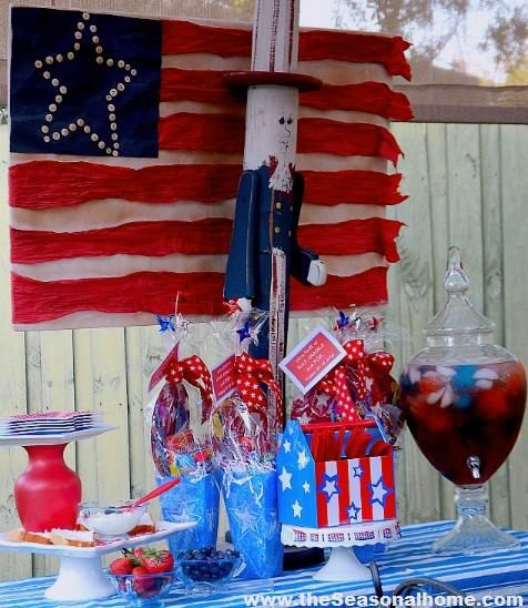 patriotic party: Patriotic Ideas, July Decorations, Side Table, Love Red White And Blue, July Ideas, Holidays Americanaf, Holidays 4Th, Party Ideas, Patriotic Decorations