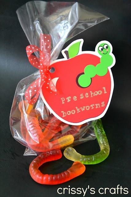Back to School Dessert Table Cuteness and Bookworm Favors · Edible Crafts | CraftGossip.com