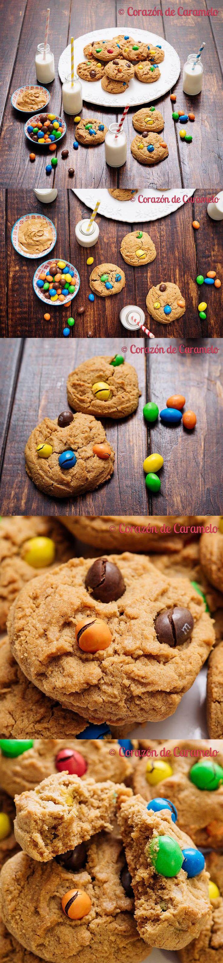 Galletas de mantequilla de maní o cacahuete con M&Ms de chocolate. Unas galletas exquisitas, divertidas y adictivas, perfecta para los más pequeños.