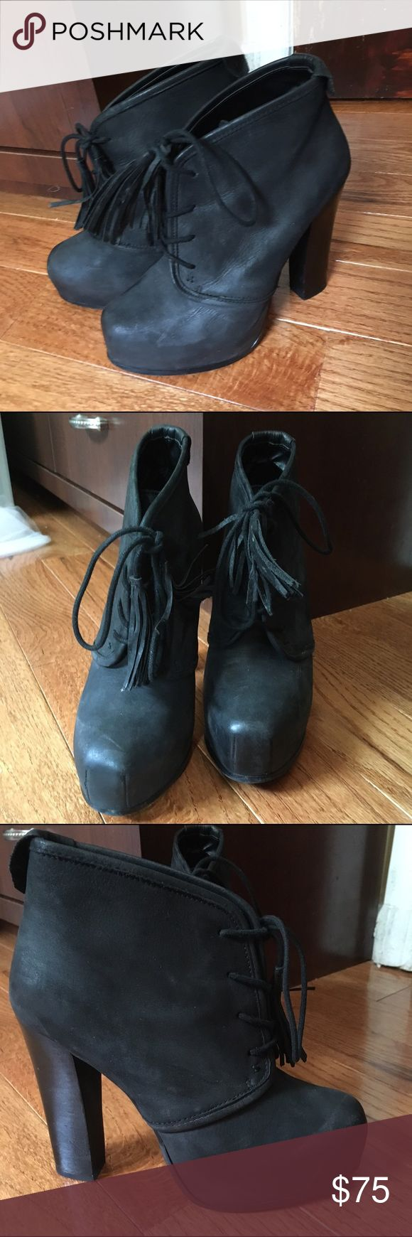 Steve Madden Black heeled booties Gorgeous Steve Madden black chunky heeled booties. Too small :( Steve Madden Shoes Ankle Boots & Booties