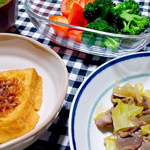 砂肝とキャベツの炒め物 厚揚げポン酢 サラダ 赤出汁 - 31件のもぐもぐ - 晩御飯 by yukimaru218