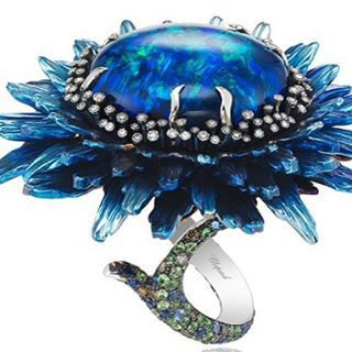 Magnetic Fleur's de Opalis rings  by Chopard #ring #opalis #chopard @chopard @thejewelryicon
