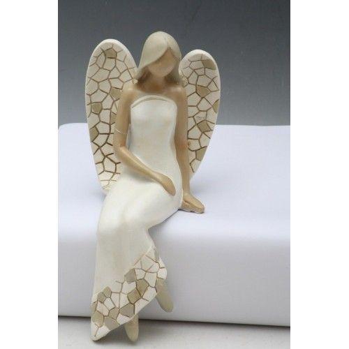 Keramická figurka sedícího anděla, výška 25 cm