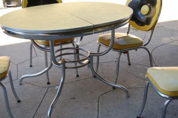 Formica Giallo e cromo 1950 tavolo da pranzo e sedie
