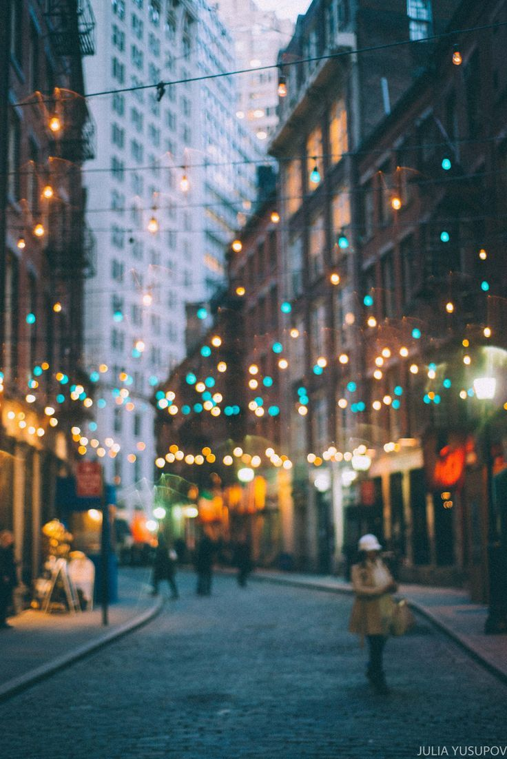 Stone St, Manhattan, New York City at Christmas time. | Best NYC ...